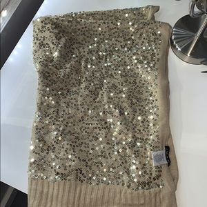 Gold sparkly scarf, never worn